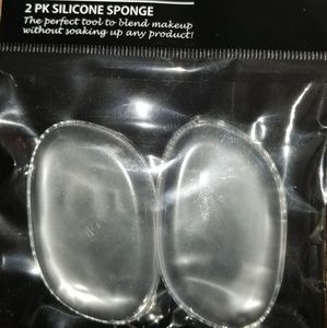 Other - Silicone makeup sponge
